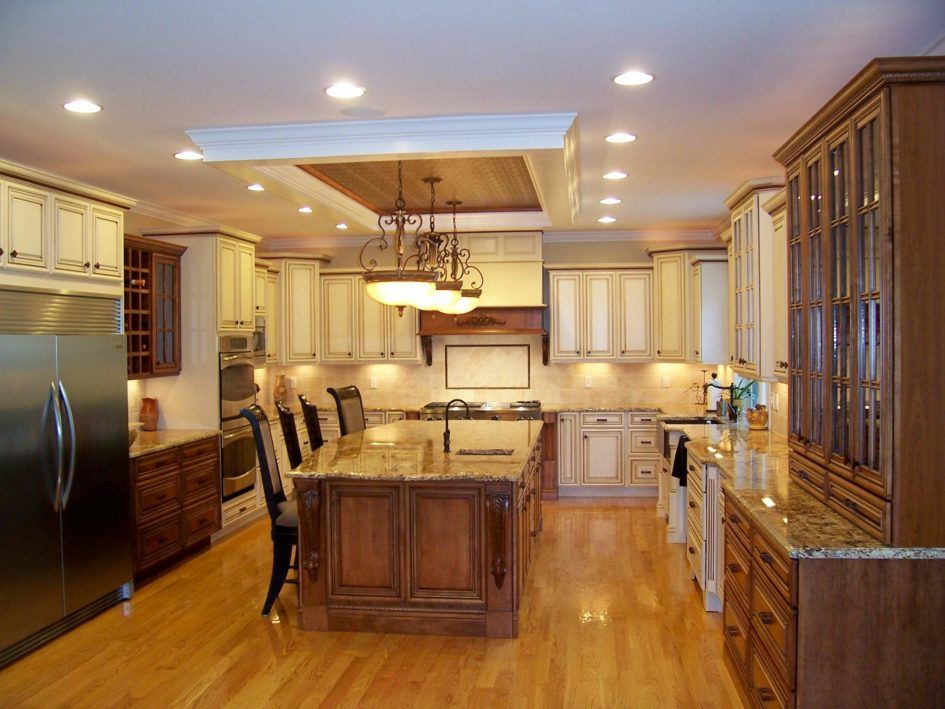 Lighting Ideas Ceiling Recessed Lights And Classic Pendant Lamps Over Kitchen Islan Kitchen Recessed Lighting Kitchen Lighting Design Recessed Lighting Layout