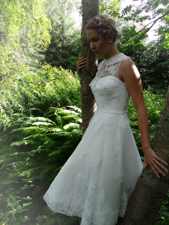 Mirjam Sis Idman Short Wedding Dress Vintage Style Wedding Bridal Collection [ 4896 x 3672 Pixel ]