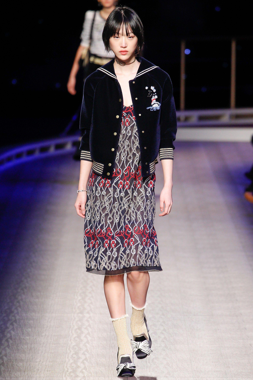 1e1180b7 Tommy Hilfiger Fall 2016 Ready-to-Wear Fashion Show | fashion ...