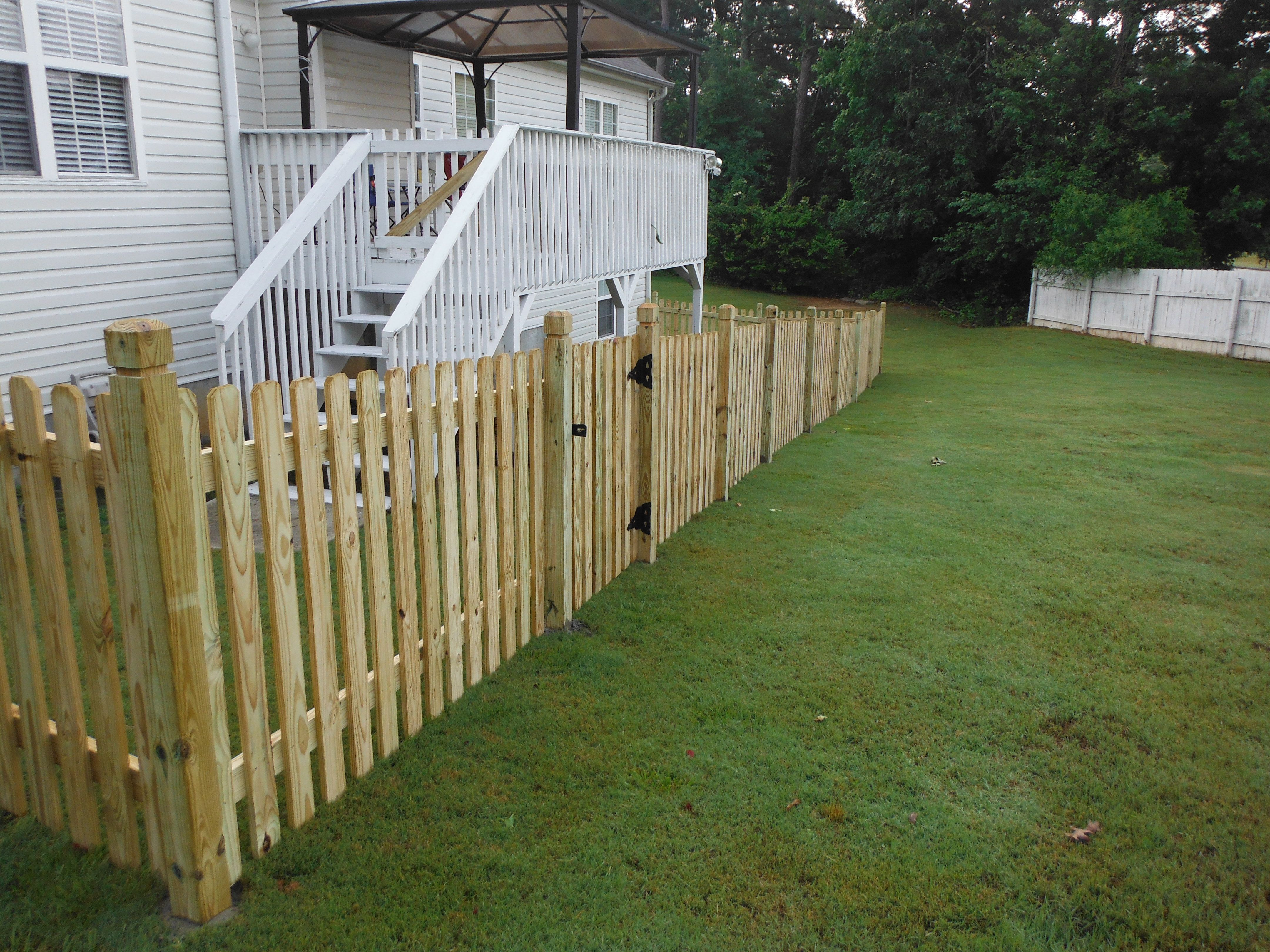1x4 Spaced Dog Ear Pickets With Dado Posts Wood Fence Wood Fence