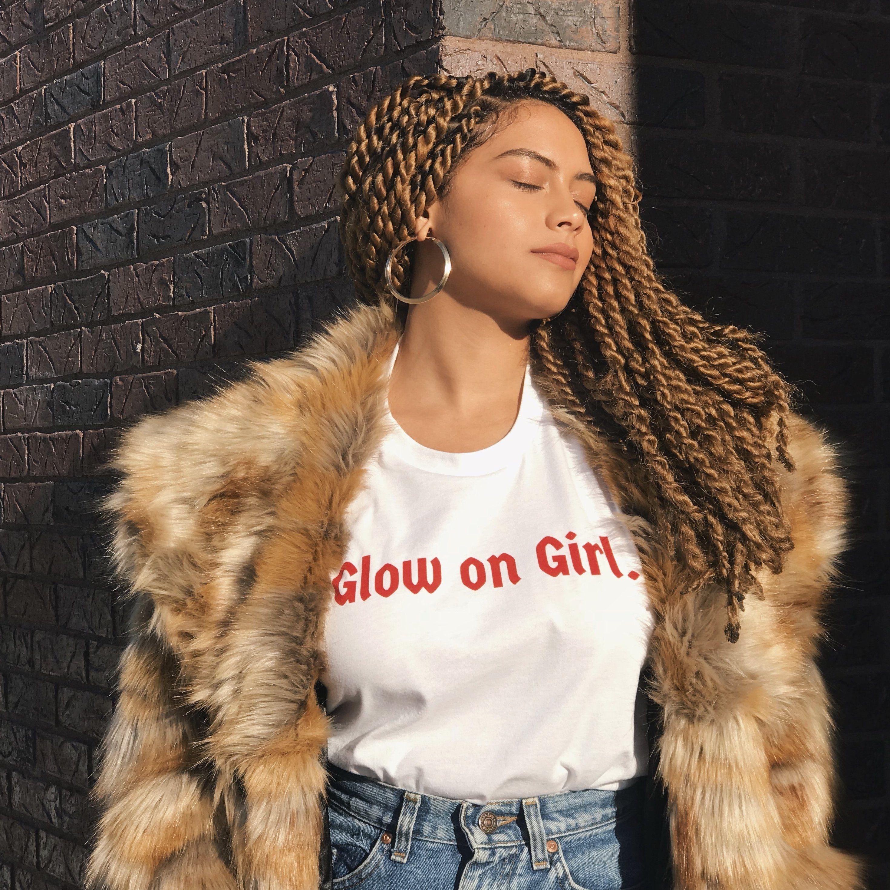 Glow on Girl - T-Shirt