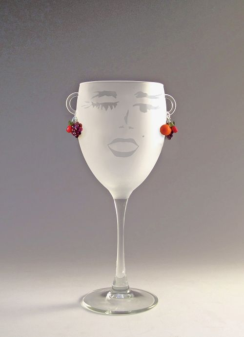 """3aad654e08bf Your guests will laugh out loud when you serve them in a Carmen glass. You  might say that """"she ll lift your spirits as you lift your spirits""""."""