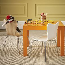 A Parsons Play Table For The Munchkin. ARE YOU KIDDING ME? Love! @