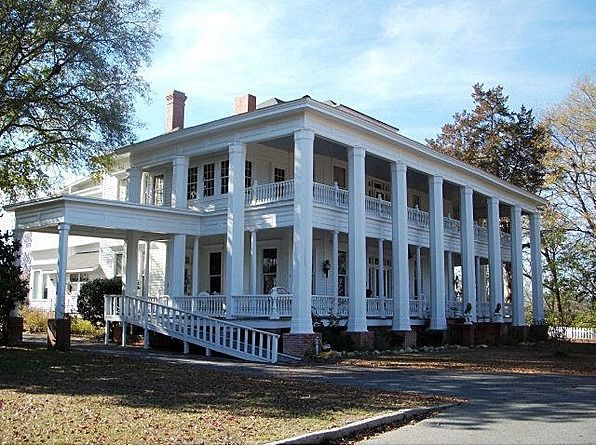 This Gracious Historic Home Known As Colonial Plantation Is A