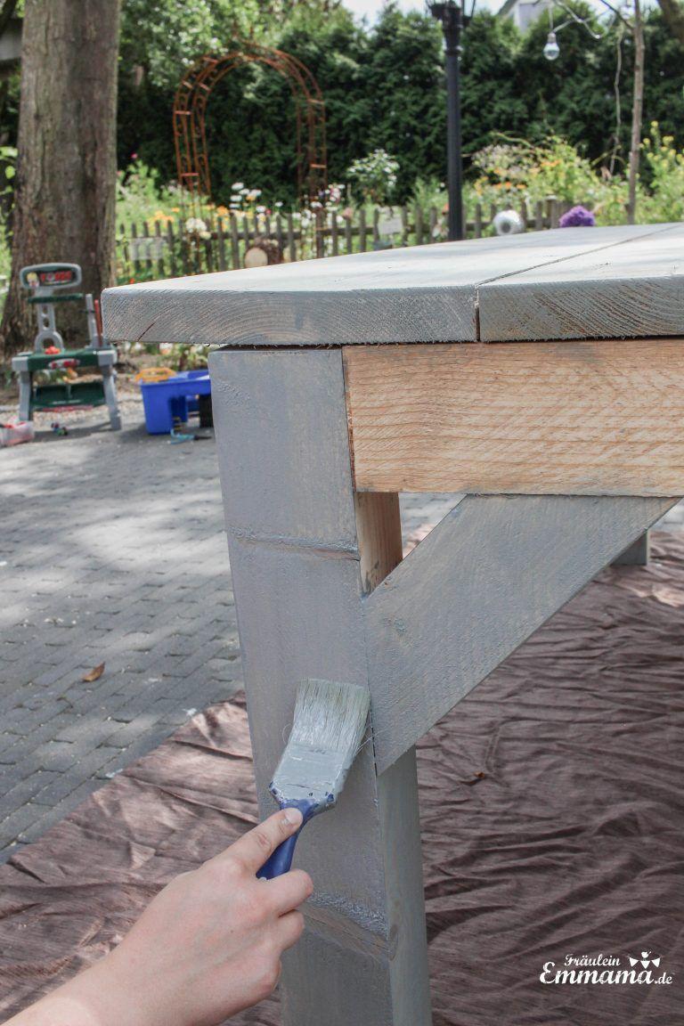 DIY: Anleitung für einen Gartentisch aus Bauholz - Fräulein Emmama #terassegestalten