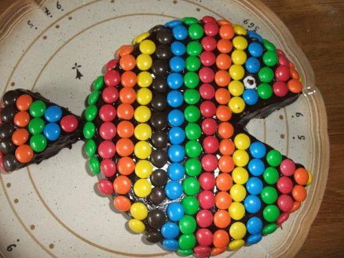 gateau poisson: brownies m&m's chocolat (déco de gâteau facile