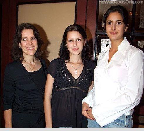 Latest Katrina Kaif Hot Pics Wallpapers Hd Wallpapers Only Katrina Kaif Katrina Kaif Hot Pics Celebrity Siblings
