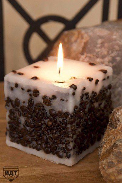 Vyrobte si kávovú sviečku.. Budete potrebovať vosk, zrnkovú kávu, nejakú formu, napríklad odrezanú krabicu z džúsu, knôt a vašu fantáziu … Čítať ďalej