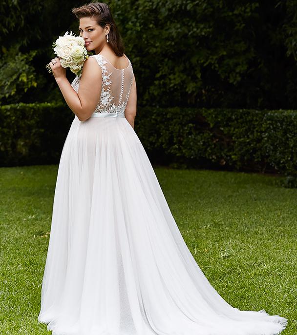 Brautkleider für große Größen | Curvy and Wedding