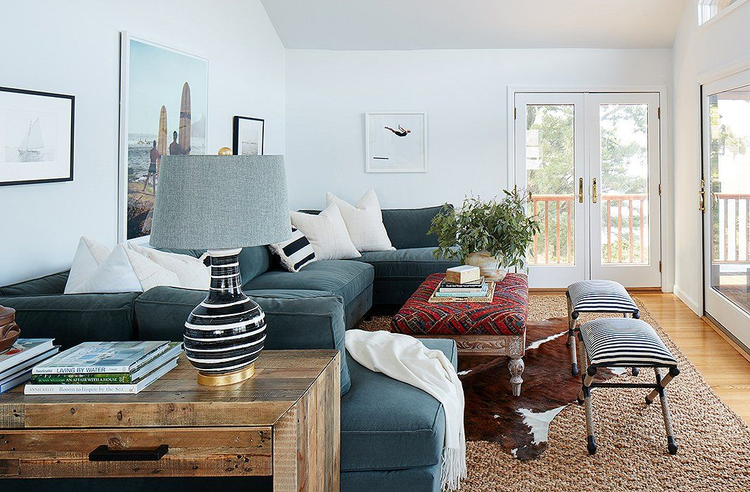 Our Chic Family Friendly Makeover Of A Lake House In Ny Home Decor Sectional Sofa Home Trends