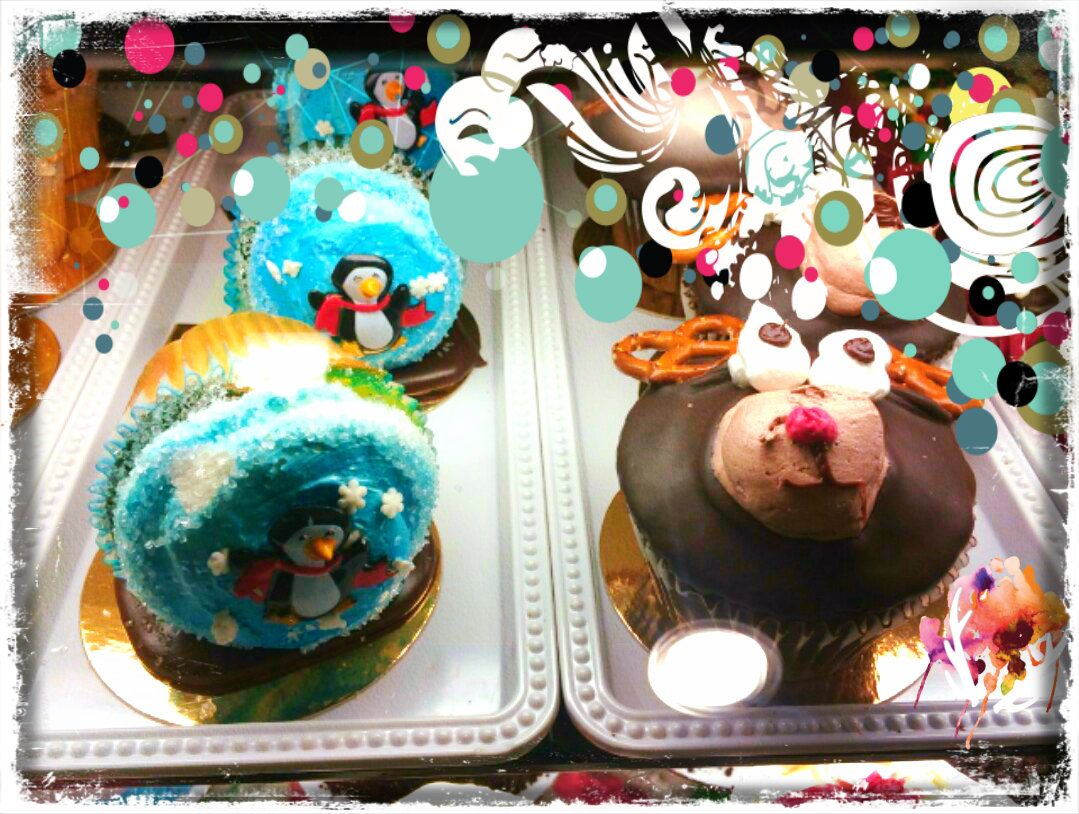 How cute are these cupcakes so detailed yummy from the