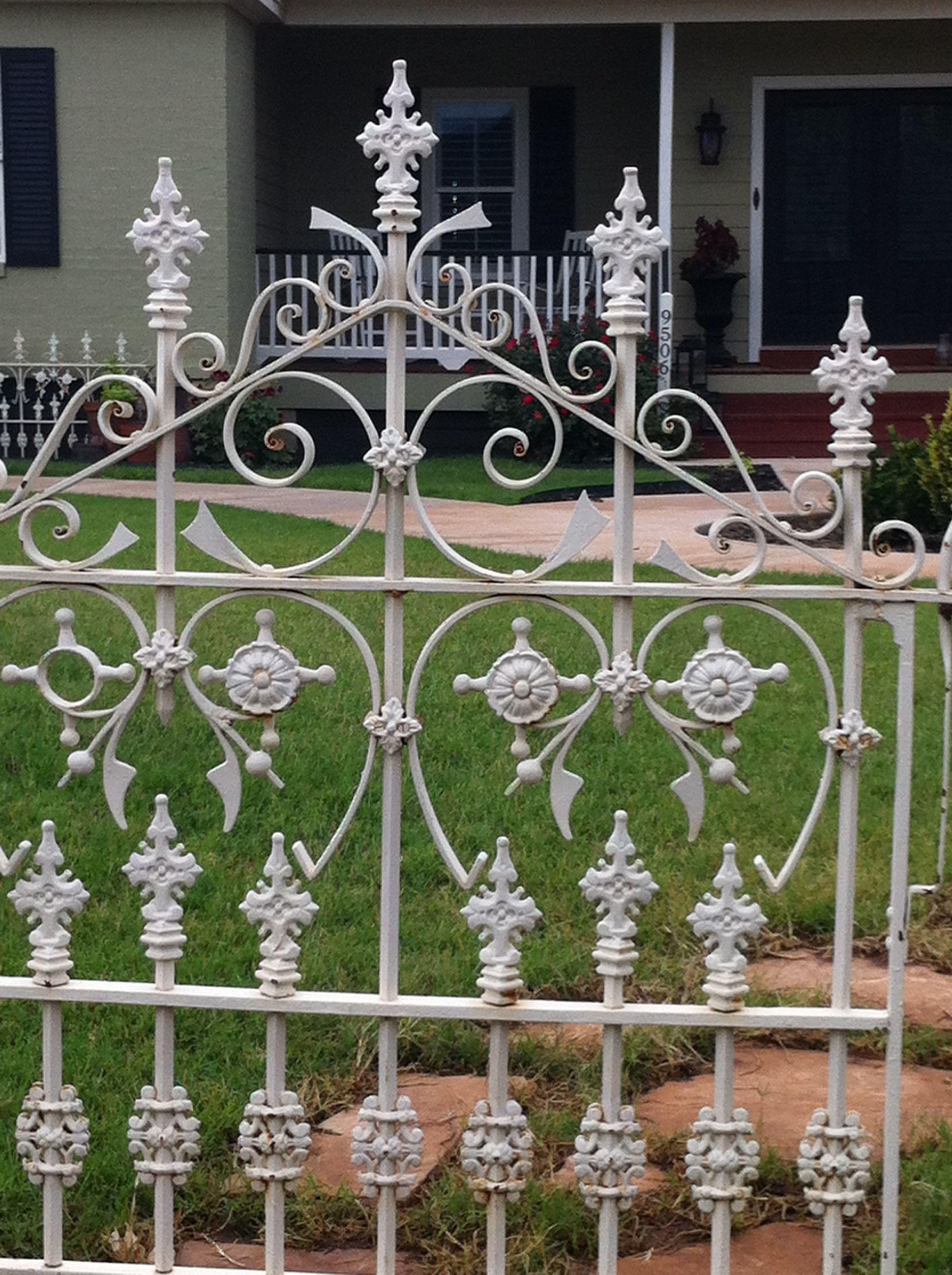 Old Iron Fence I Found On Craigslist Jackpot Pallet Fence