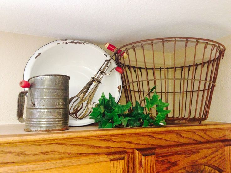 primitive decorating above cabinets pinterest google search - Primitive Kitchen Decorating Ideas