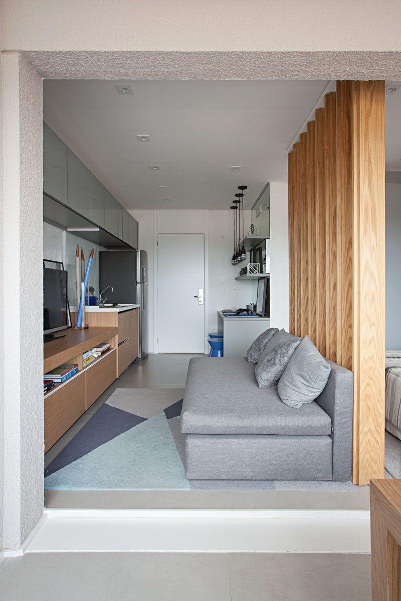 This Small Apartment Makes Efficient Use Of Limited Space With Thoughtful Interior Design Interior Design Apartment Small Small Space Interior Design Small Apartment Interior