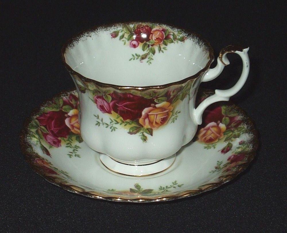Antique Tea Cup Saucer Saucer Set Royal Albert China OLD
