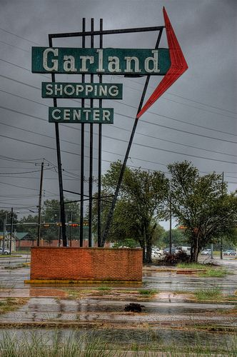 Garland Shopping Center Sign Garland Center Signs Sell My House Fast