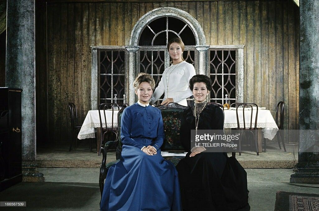 Les Soeurs Poliakoff in THREE SISTERS. Odile Versois, Marina Vlady and Helene Vallier. 1966