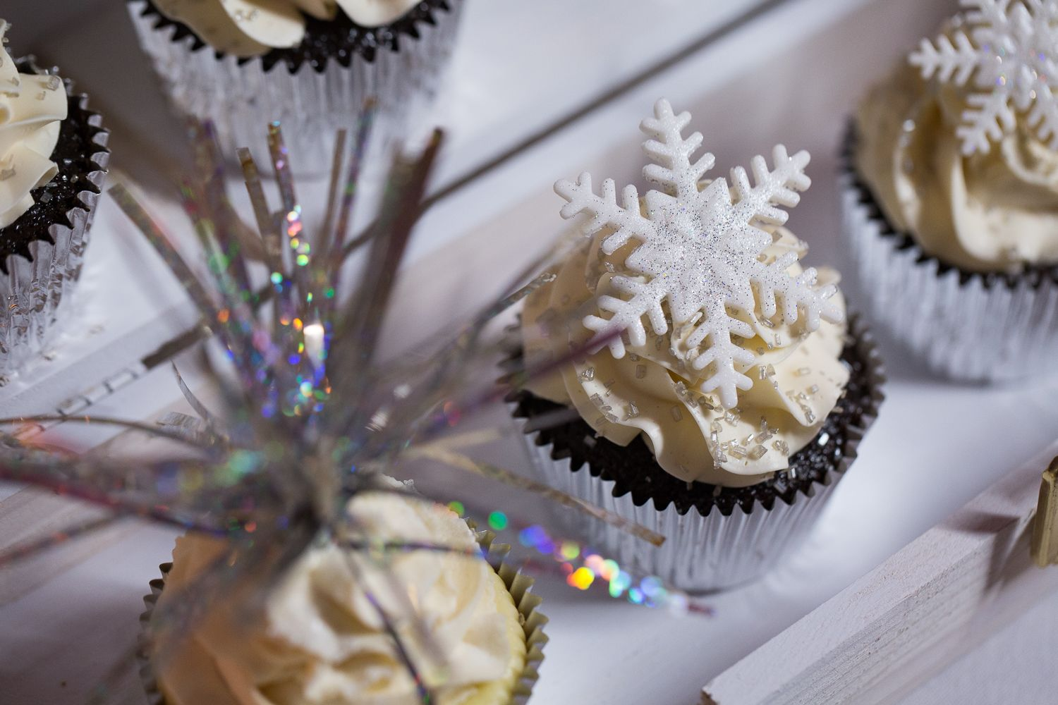 Winter wonderland cupcakes at the Mansion. The Ewings ...