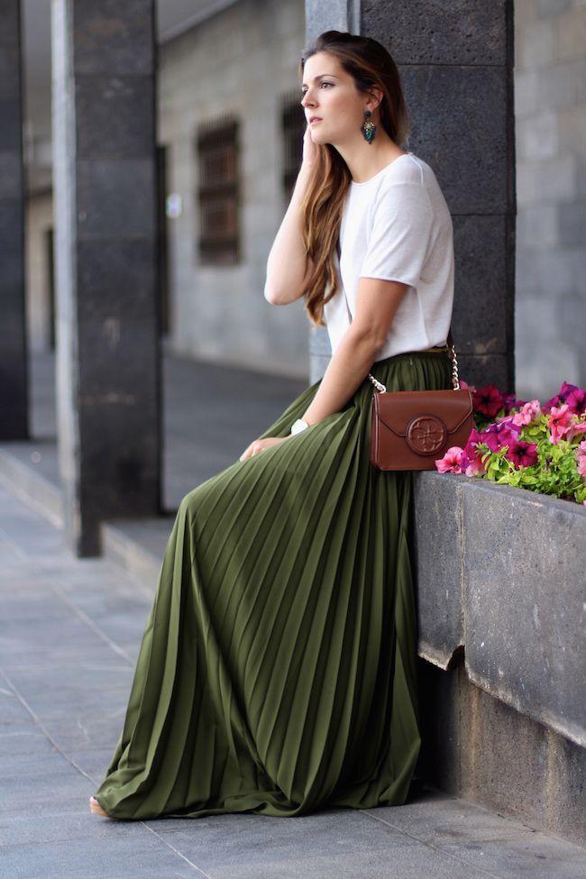 8de65f0c74 The Comeback of Khaki Outfits | style | Fashion, Maxi skirt outfits ...