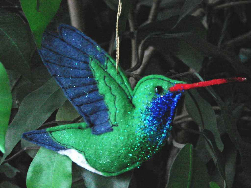 a broadbilled hummingbird ornament I made #feltbirds