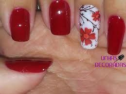 Unhas vermelhas decoradas.. !