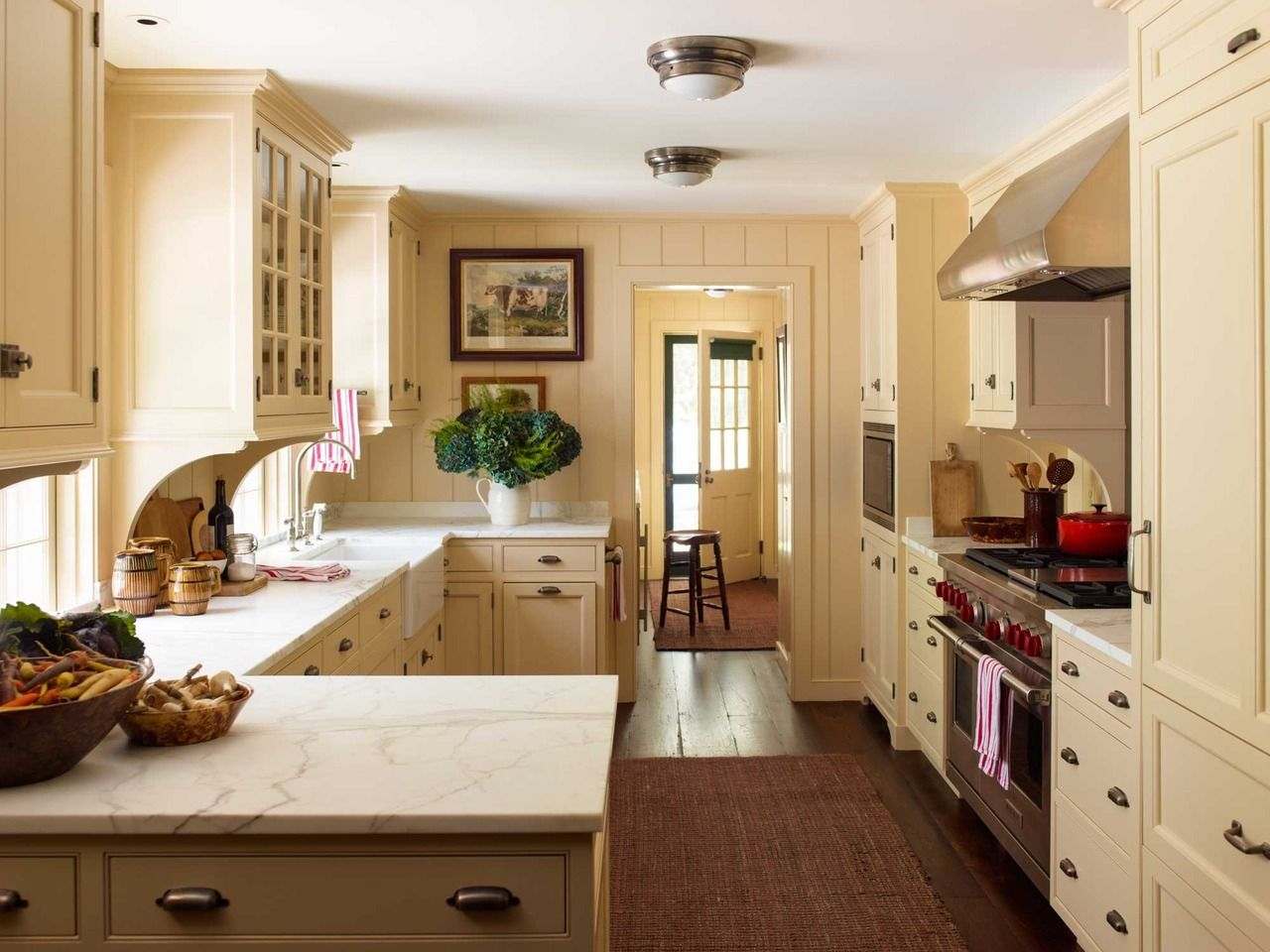 Eastern Seaboarder Cottage kitchens, French country