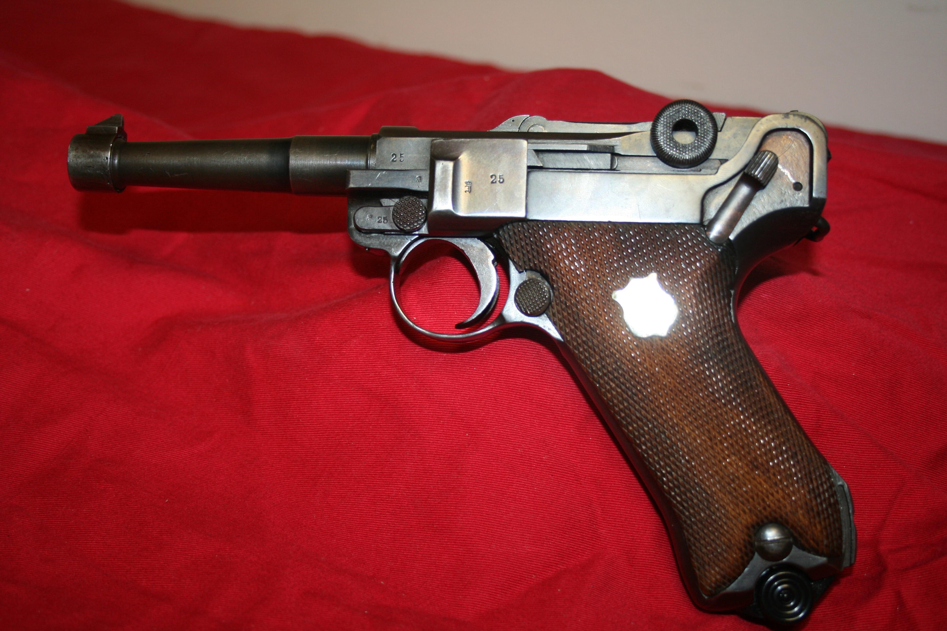 ERFURT 1918 dated 1914 Luger 9mm Semi-Automatic Pistol