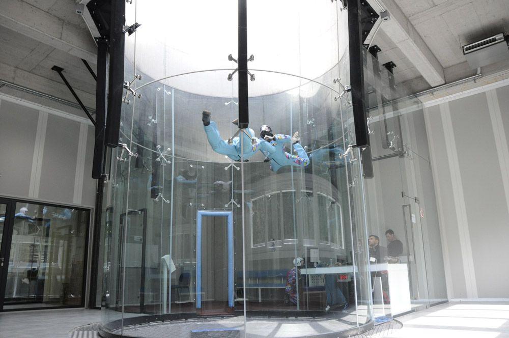 indoor skydiving에 대한 이미지 검색결과