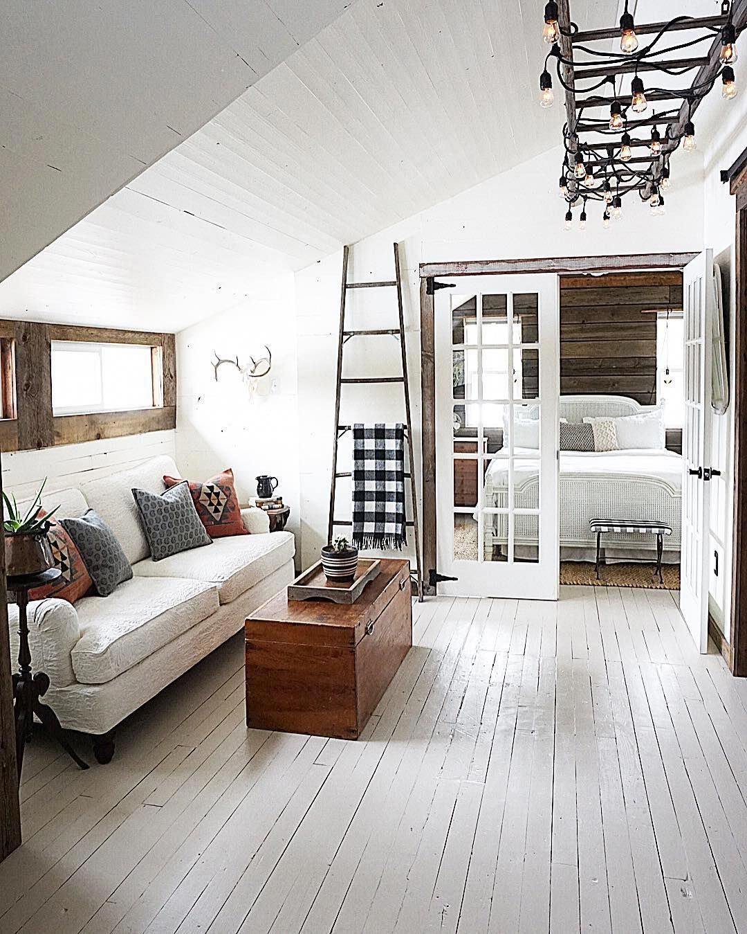 35+ Clever Use of Attic Room Design and Remodel Ideas #atticapartment