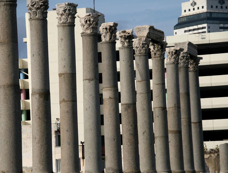 Izmir Agora: Antiquity & Modernity