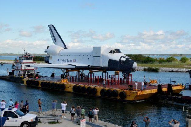 Shuttle replica arrives amid fanfare | Kennedy space ...