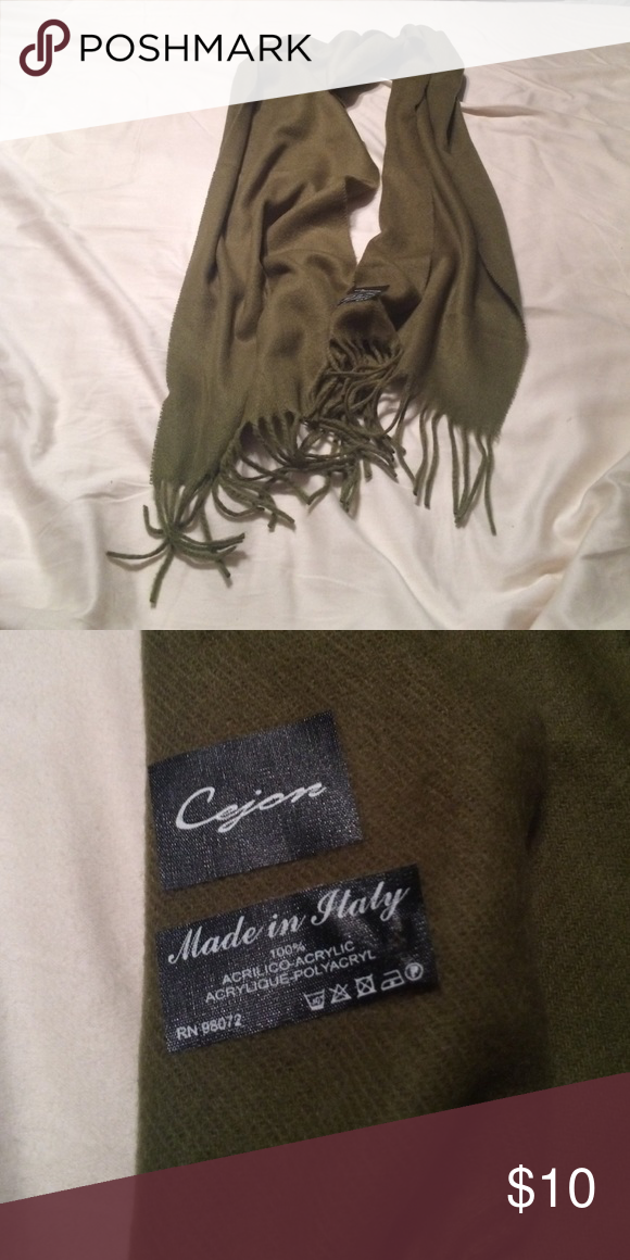 Green scarf. Like new! Green scarf. Like new! Accessories Scarves & Wraps