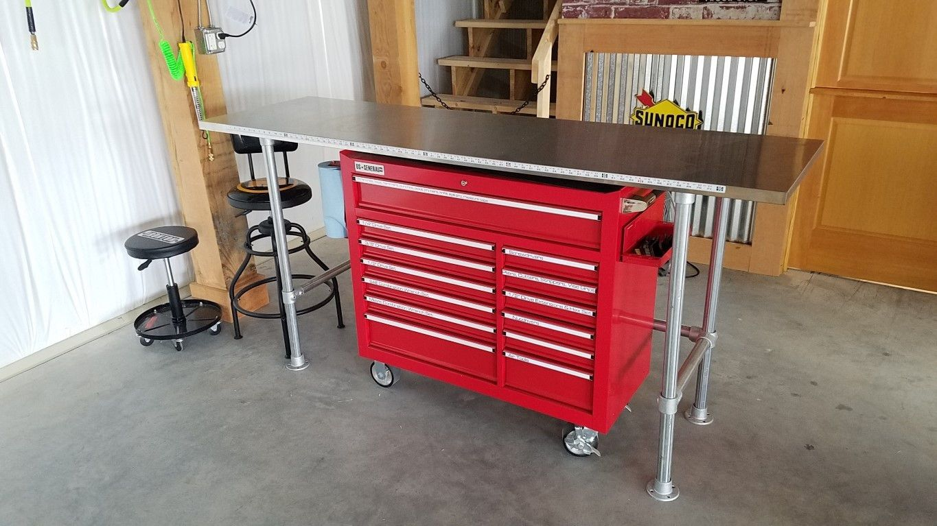 American do it yourself garage is a self service repair shop in american do it yourself garage is a self service repair shop in virginia beach va where people can rent car bays lifts and tools to work on their solutioingenieria Gallery
