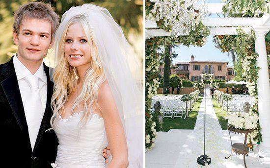 Avril Lavigne Deryck Whibley Celebrity Wedding Inspiration Celebrity Weddings Wedding Wedding Couples