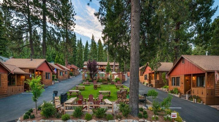 The smarter way to wed lake tahoe weddings wedding venues and lake tahoe wedding venues cedar glen lodge junglespirit Images