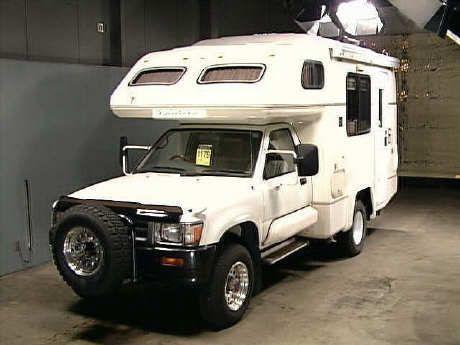 92 Toyota Hilux 4x4 Camper