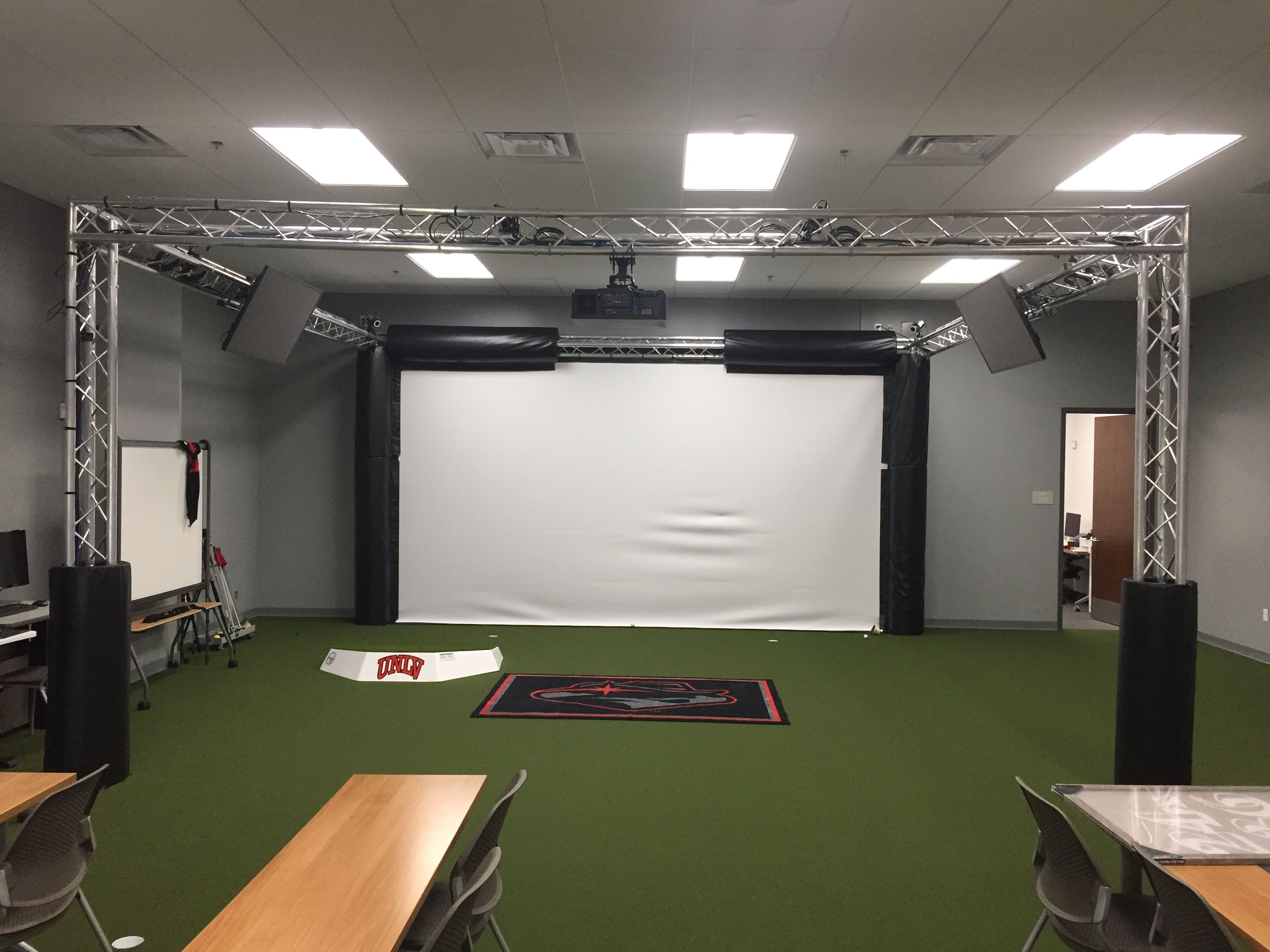 Unlv Golf Simulator Golf Simulator Room Golf Simulators Golf Room