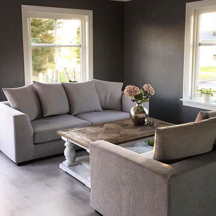 Lekkert og stilrent hos @anetteheskestad  #Dubaisalongbord140 fra @classicliving   #dubaicollection #salongbord #coffeetable #stue #livingroom #drivved #classyinteriors #interior444 #interior_and_living #interior125 #interior4you1 #interior4all #hem_inspiration #husoghjem #interiør #Stuemøbel #vakrehjem #pickoftheday #igoftheday #like4like #like4follow