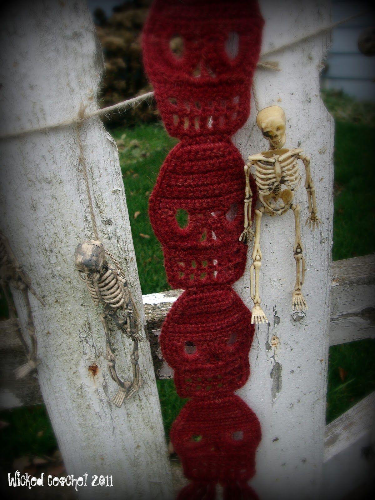 Wicked Crochet: Cute Crochet Skull Scarf Pattern | Laura has to make ...