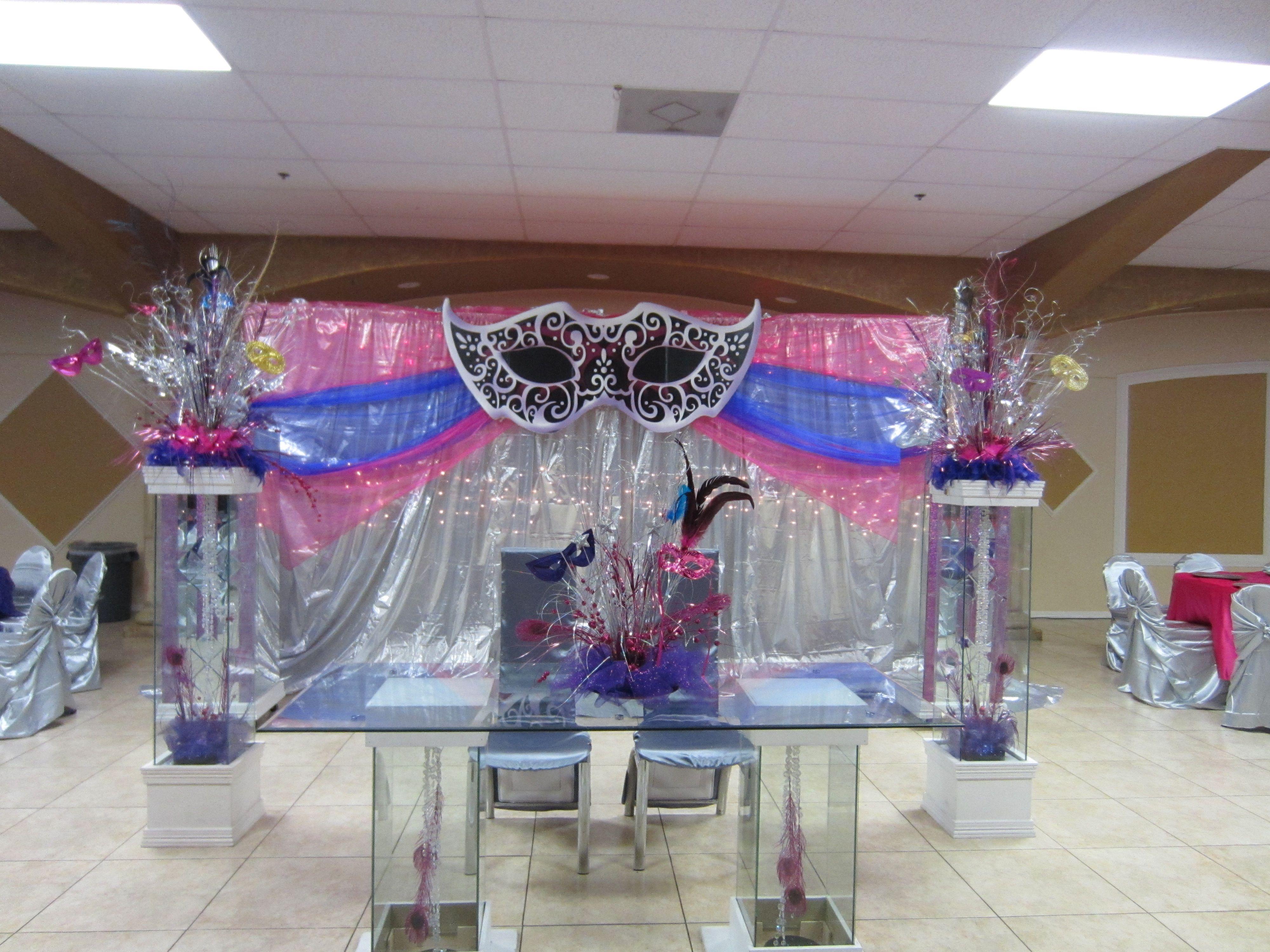 Decoracion para quincea era con tema de mardigrass for Decoracion de quinceanera