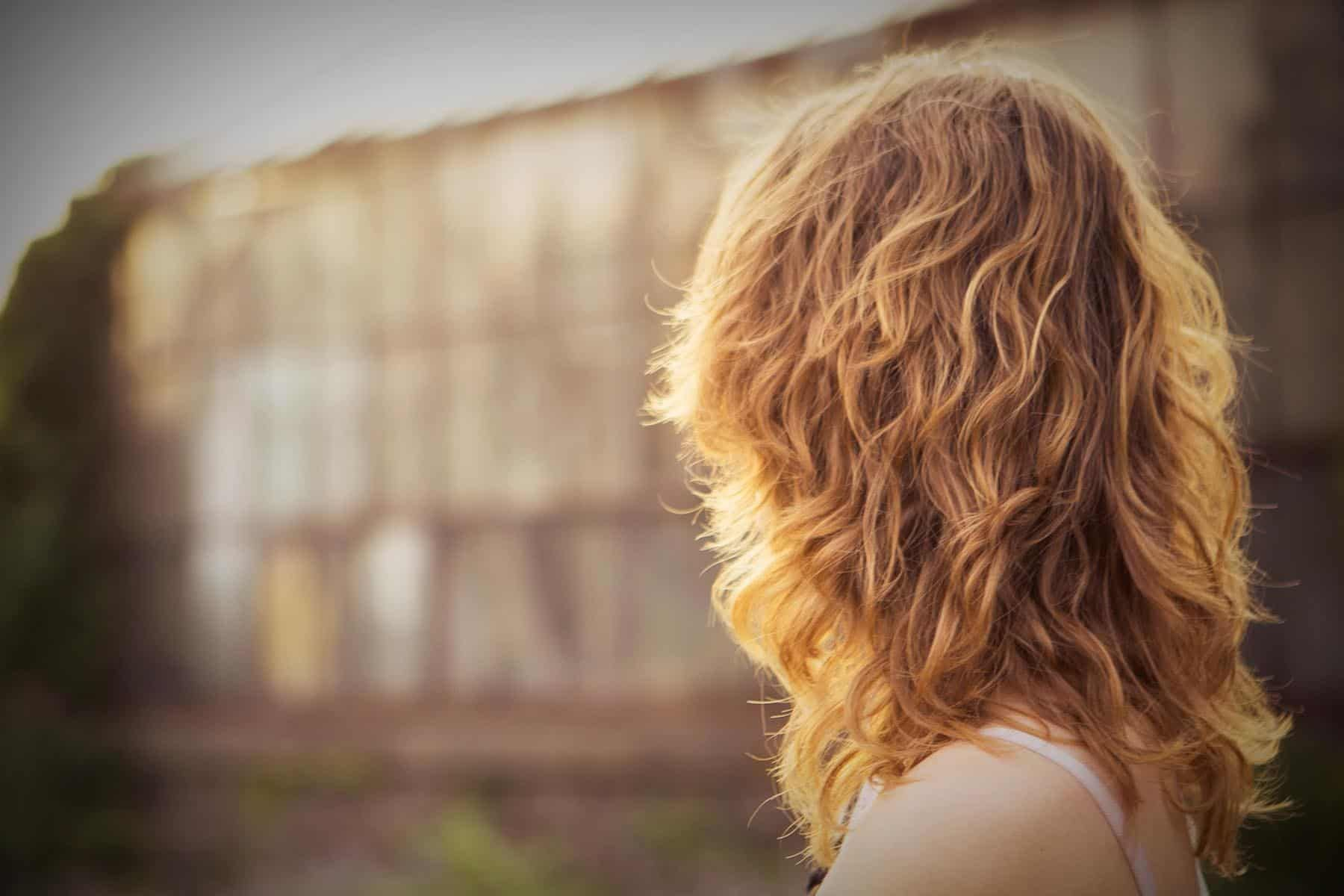 Wie Viel Kostet Eine Dauerwelle Fur Kurze Haare Lange Haare Mittlere Haare Neueste Frisuren Und Haarschnitte Fur Frauen Einfache Naturliche Frisuren Long Hair Styles Long Hair Older Women Hair Styles