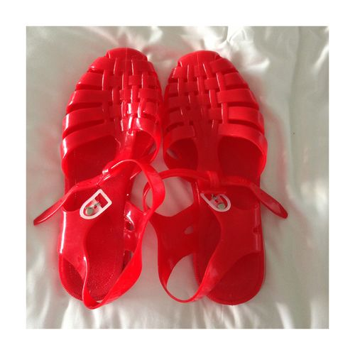 Jelly shoes - ! :) I want these for life guarding