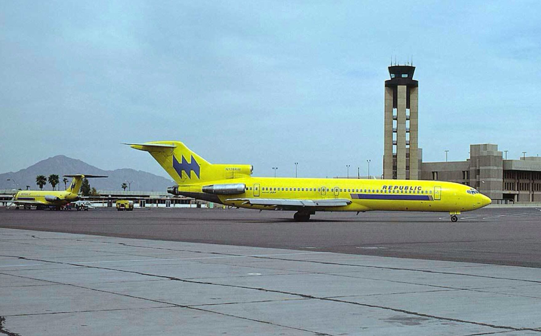 Republic 727 (With images) Boeing aircraft, Cargo