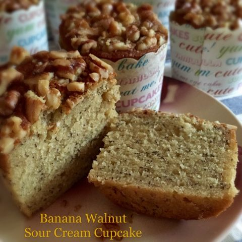 recipe: banana sour cream pound cake [29]