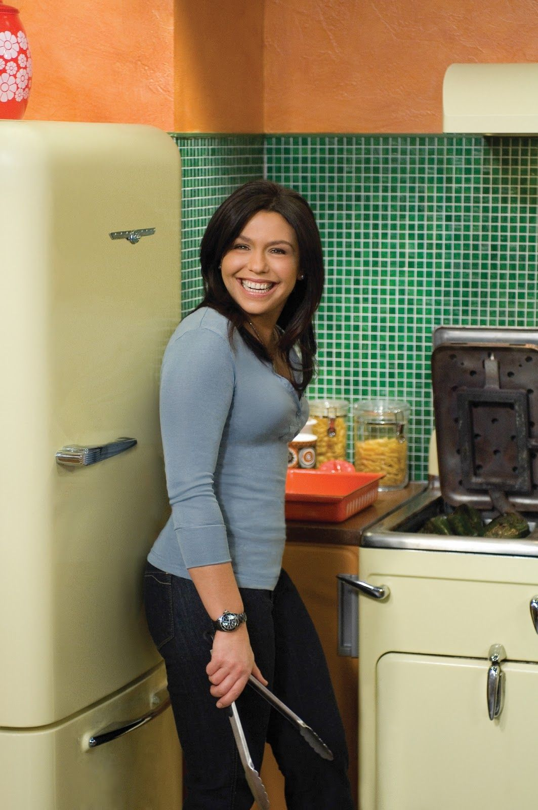 pictures of rachael ray book yum o nyc spot macy s 151 w. Black Bedroom Furniture Sets. Home Design Ideas