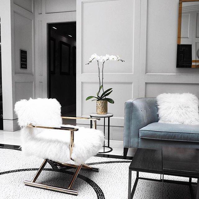 Pin de Mary G en Furniture Pinterest Sillones, Interiores y Hogar - sillones para habitaciones