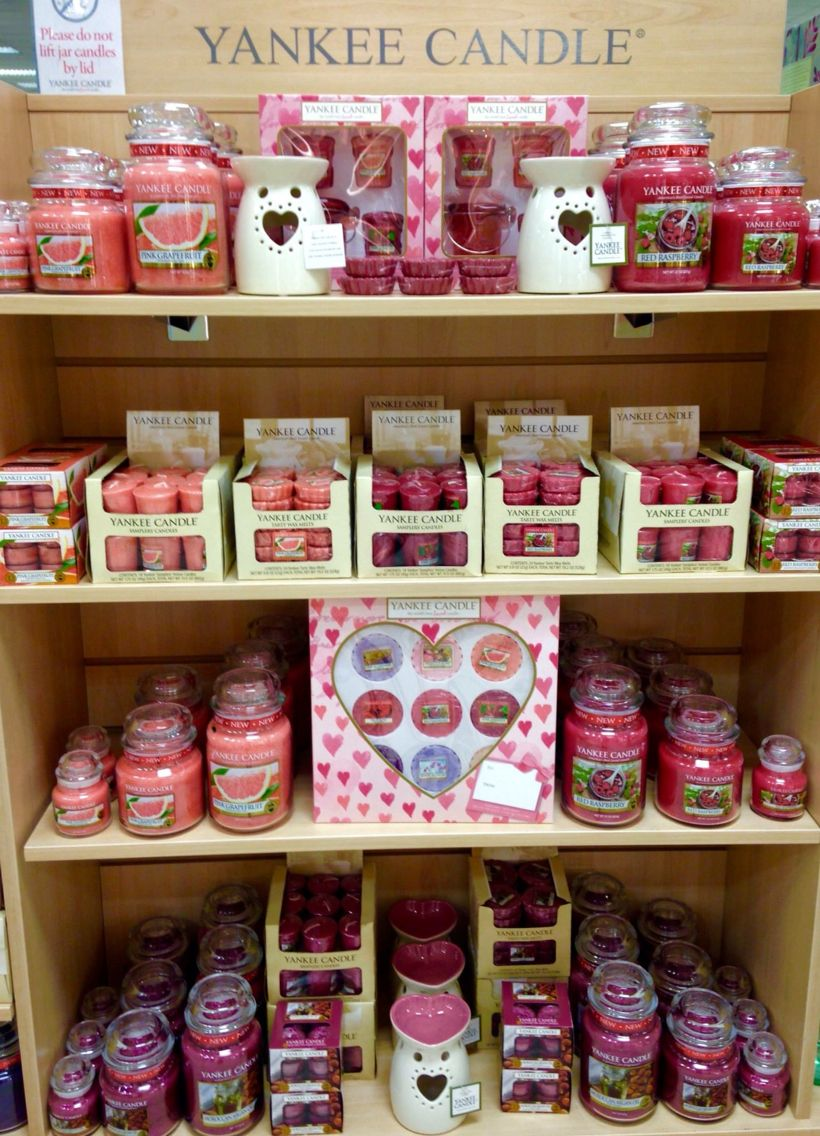 Yankee Candle Negozi.Valentines Yankee Candle Display Beales Keighley In 2019