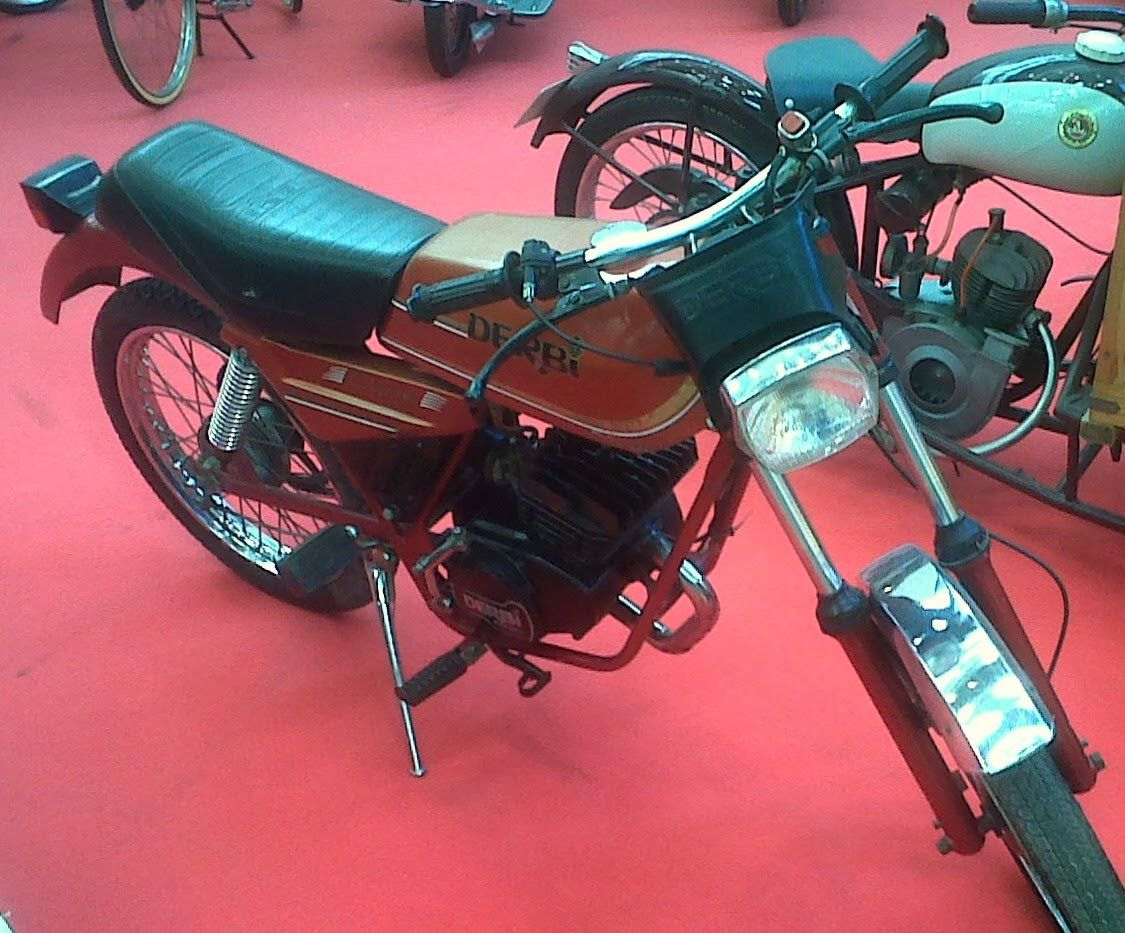 Derbi 49cc Coppa Turismo 2 85cv A 8 000 Rpm Moto Exposición Museu Derbi Barcelona L Illa 17 2 2014 Motos Enduro Motos Ciclomotores