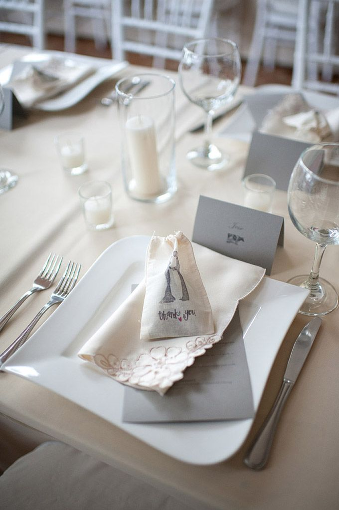 love these place settings | Comfort Studio