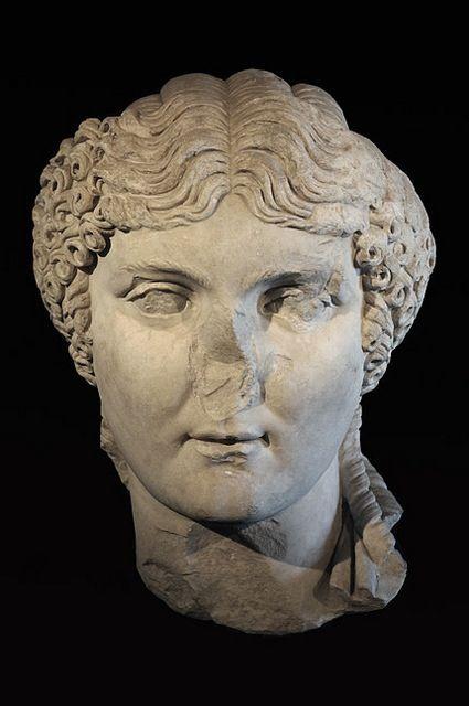 Agrippina Coiffures romaines, Romain et Masque